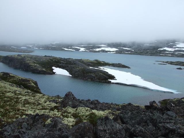 crater lake 640x480