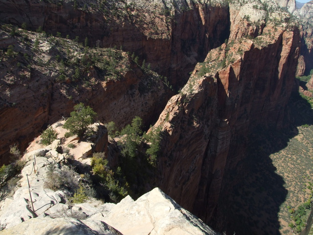 angels landing down 640x480