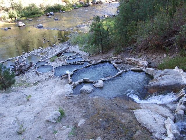 rocky canyon pools 640x480