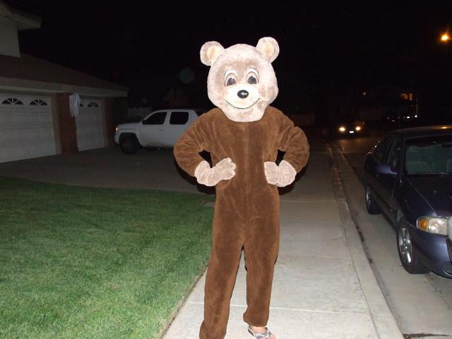 dan bear halloween 640x480