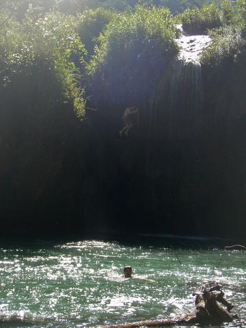 dan_waterfall_jump