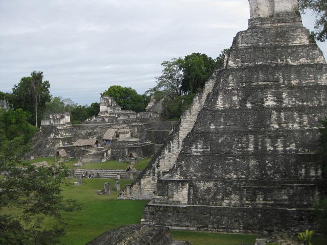 tikal temple 640x480