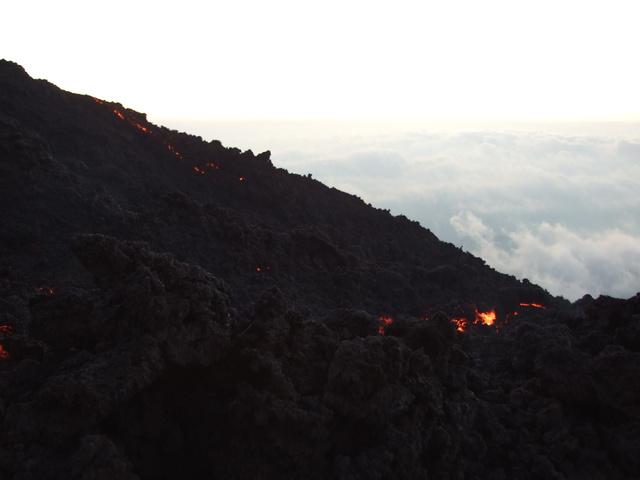 lava hillside 640x480