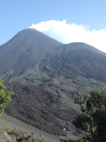 volcan pacaya smoking 360x480