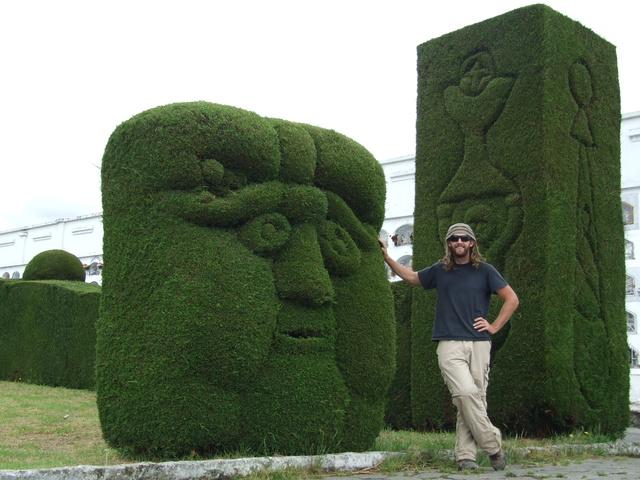 dan_hedge_garden_tulcan