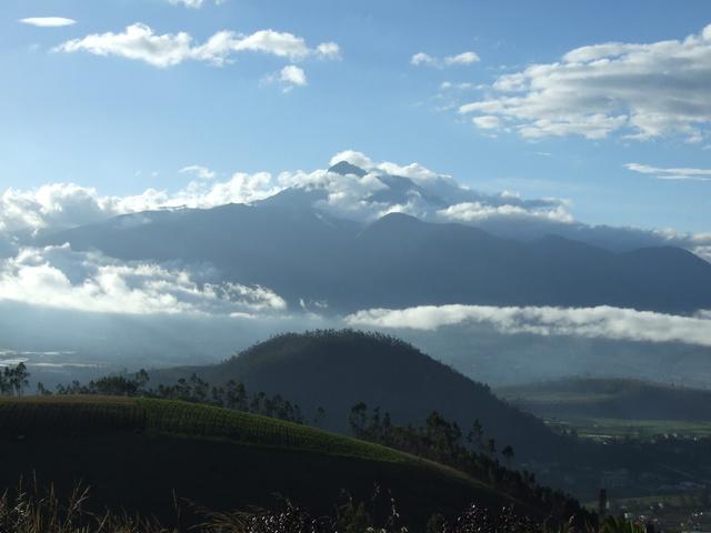 ecuador mountain 640x480