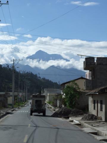 ecuador mountains land rover 360x480