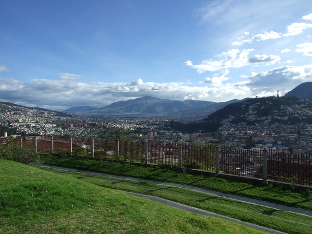 quito city view 640x480