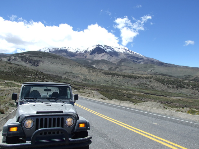 chimborazo and jeep 640x480