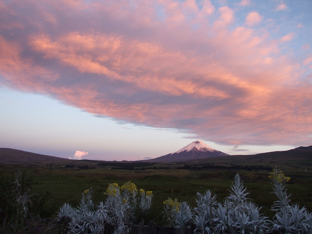 cotopaxi_sunset