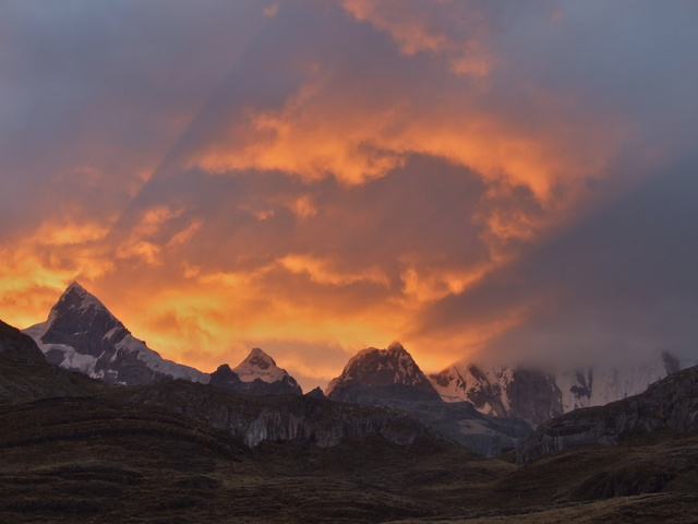 huayhuash sunset 640x480