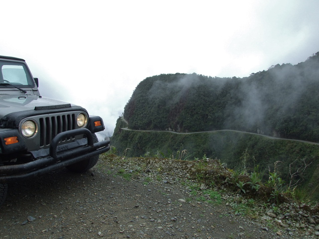 jeep road of death 640x480
