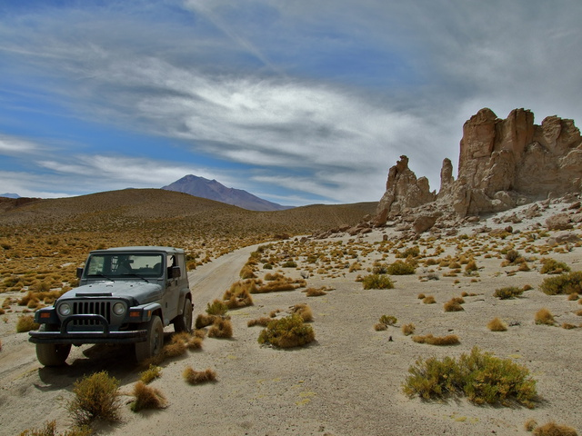 jeep rock formations 640x480