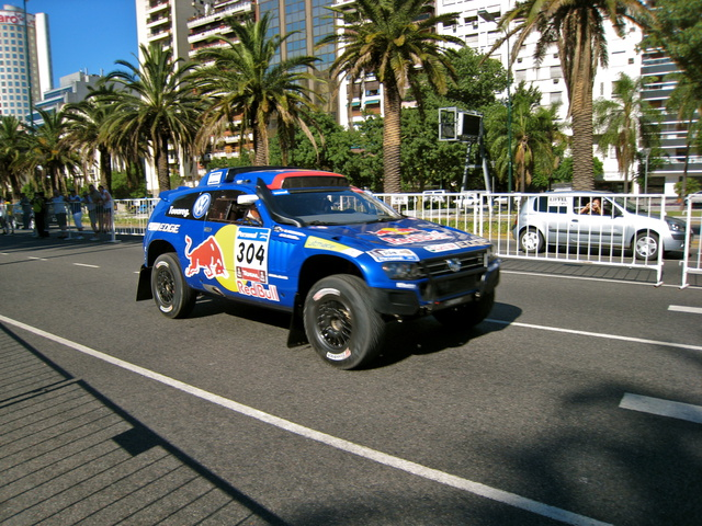 dakar vehicle 640x480