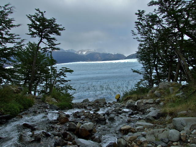 close to grey glacier 640x480