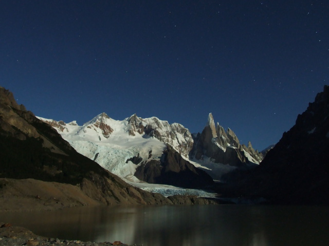 laguna torre night 640x480