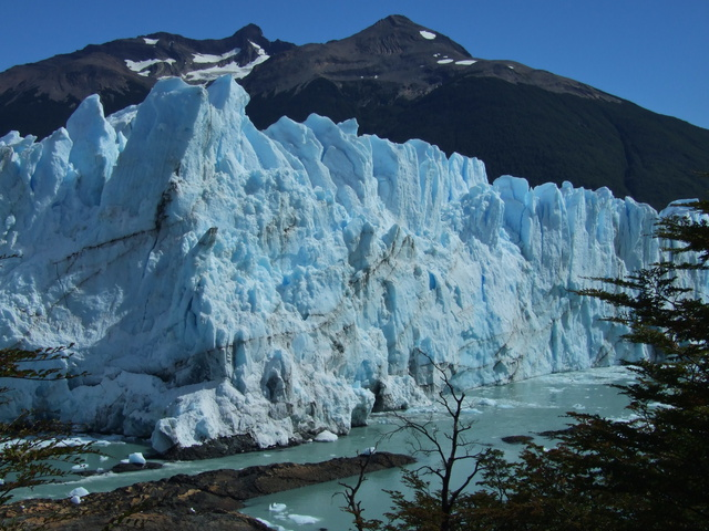 perito moreno up close 640x480