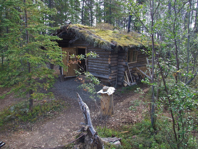 cabin on the lake 640x480