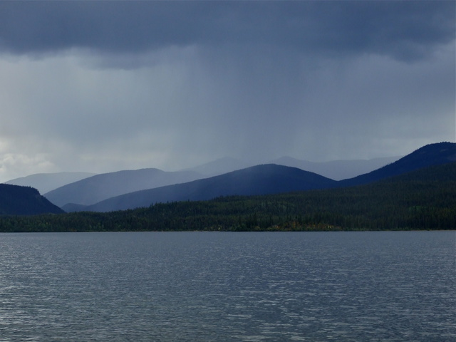 mountain rain 640x480