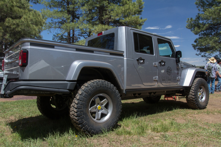aev brute doublecab 720x480