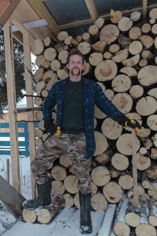 dan lumberjack2 320x480