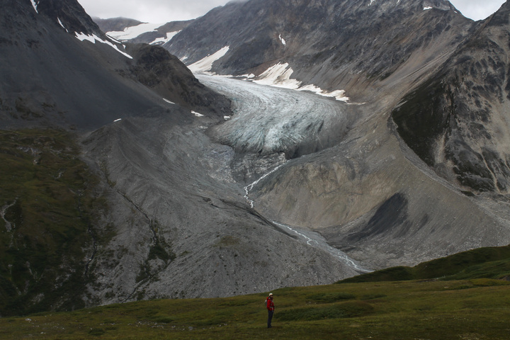 samuel hike dan at glacier 720x480