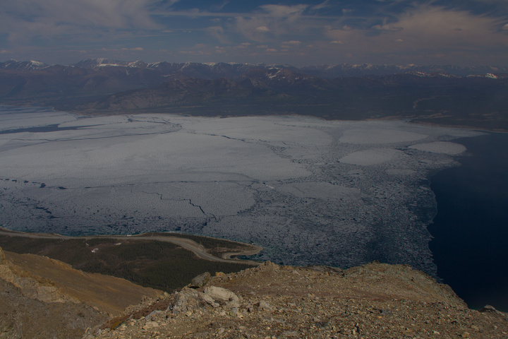 The half frozen Kluane Lake