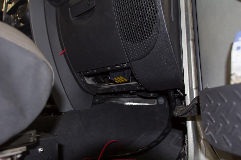 Painless fuse block mounted