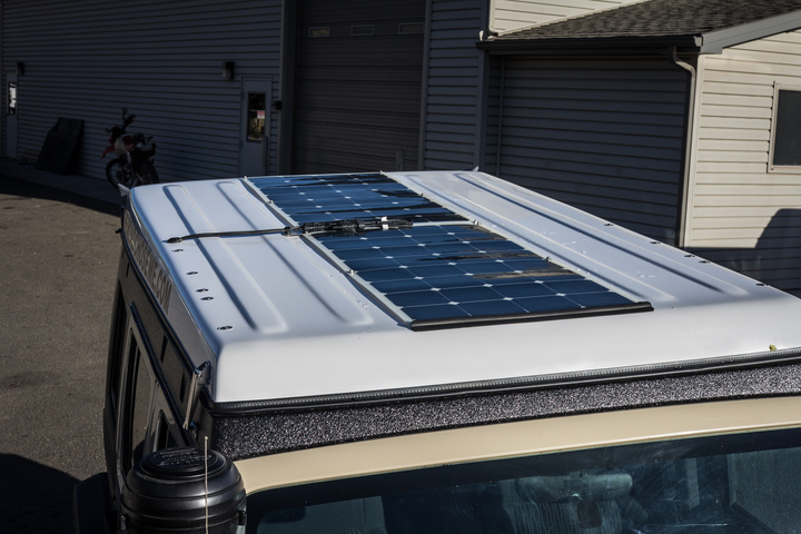 Renogy Solar Panels mounted to Jeep roof