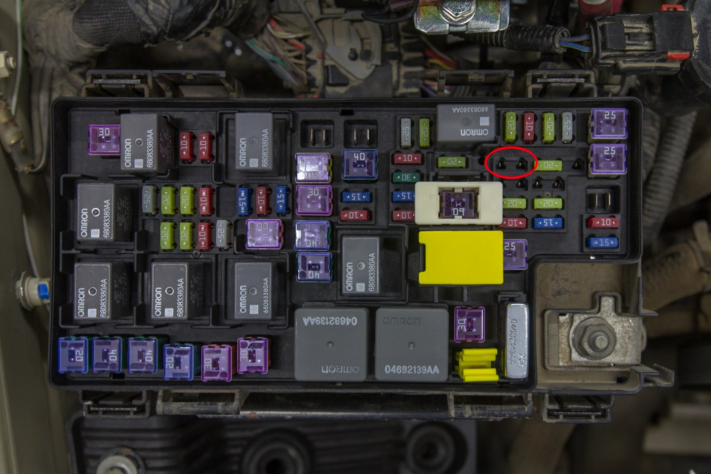 2013 jeep wrangler unlimited fuse box