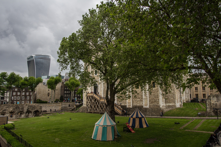 tower of london lawns 720x480