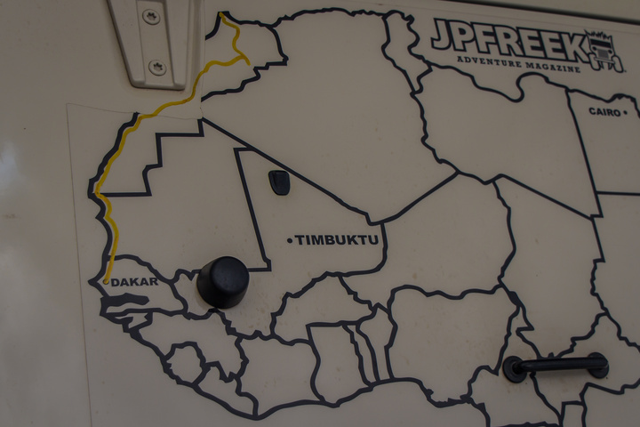 africa jeep hood map dakar 720x480