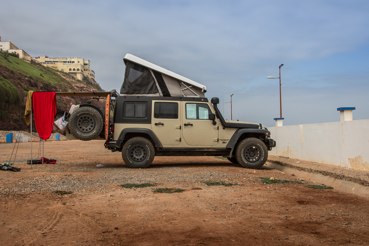 jeep camping ocean side 720x480