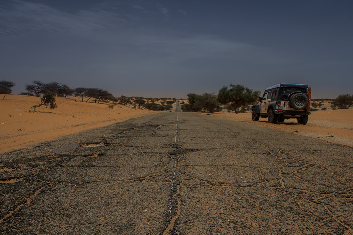 mauritania jeep crumbling roads 720x480