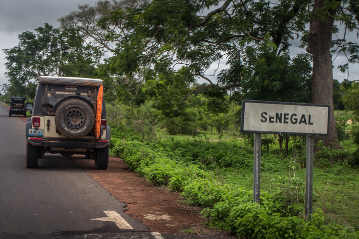 africa jeep back into senegal 720x480
