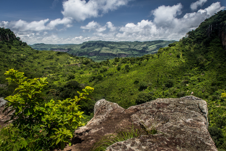doucki hiking guinea mountains 720x480