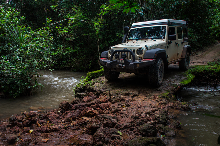 guinea jeep river crossing 720x480