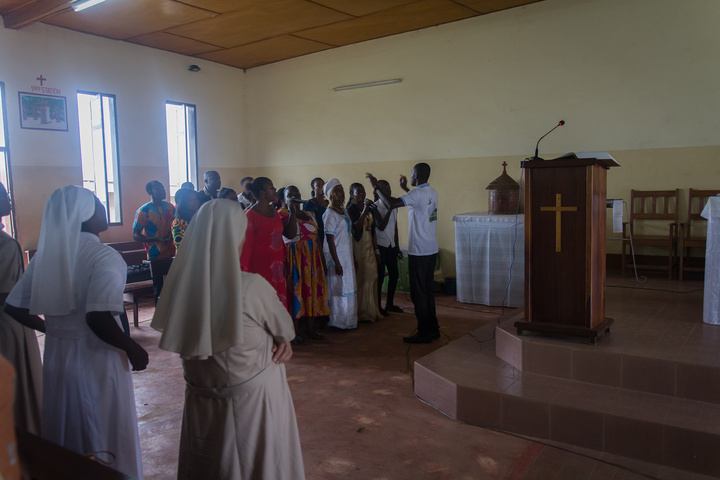 Mass at the Tai mission