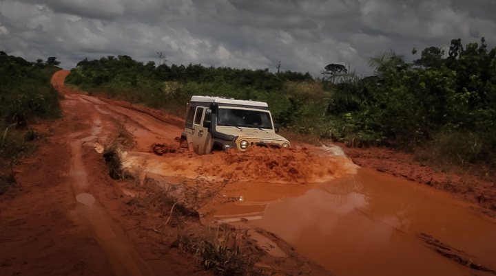jeep africa road to tai mud pit 720x402
