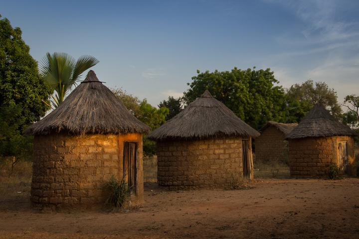 niansogoni burkina faso huts at camping 720x480