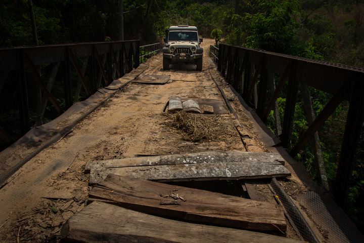 jeep africa togo bridge out 720x480
