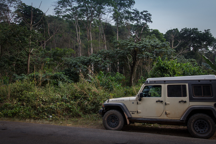 jeep nigeria jungle 720x480