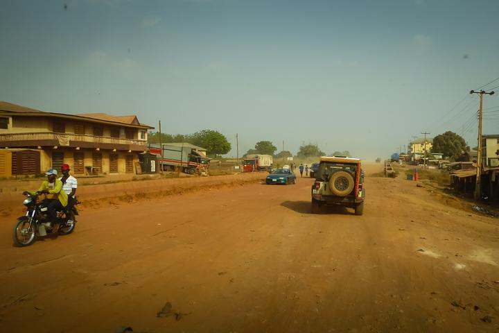 nigeria jeep dirt road 720x480