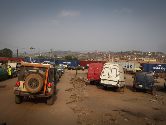 nigeria jeep train crossing abeokuta 640x480
