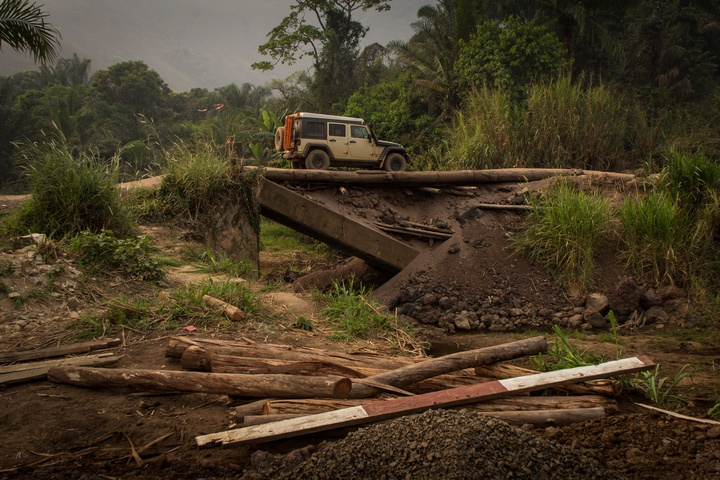 cameroon broken bridge 720x480