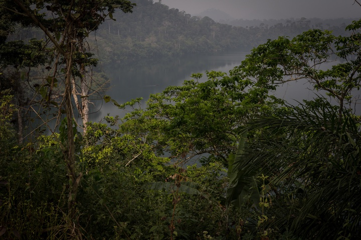 cameroon lake mountains 720x480