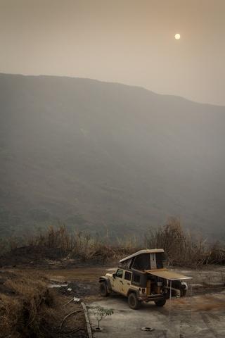 jeep africa camping lake nyos 2 320x480