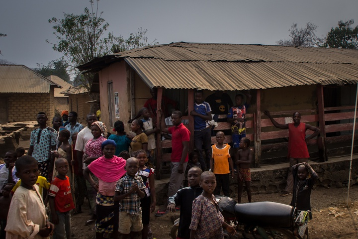 nigeria border town more people 720x480