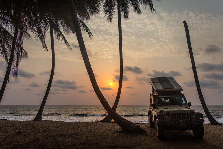 ebodje sunset beach jeep 720x480