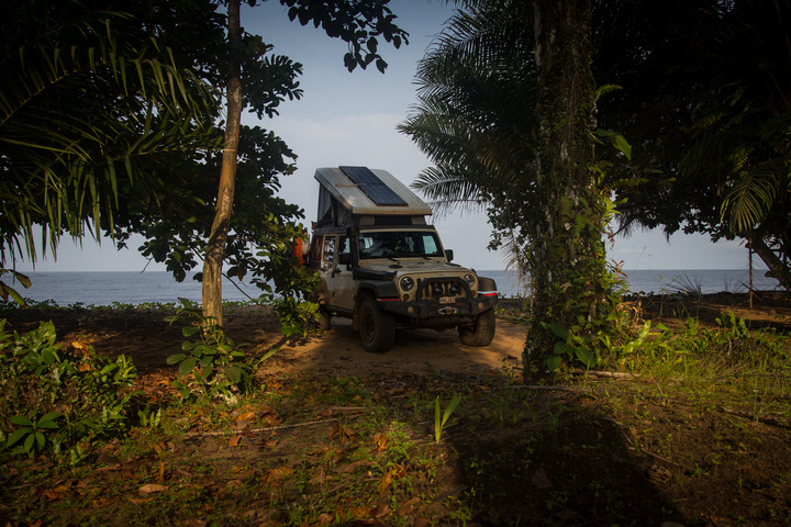 jeep africa camping near ecuatorial guinea 720x480